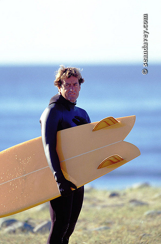 Tom Curren with Skipp Frye twin fin, Hebredes, Sept 2001 by seandavey.com